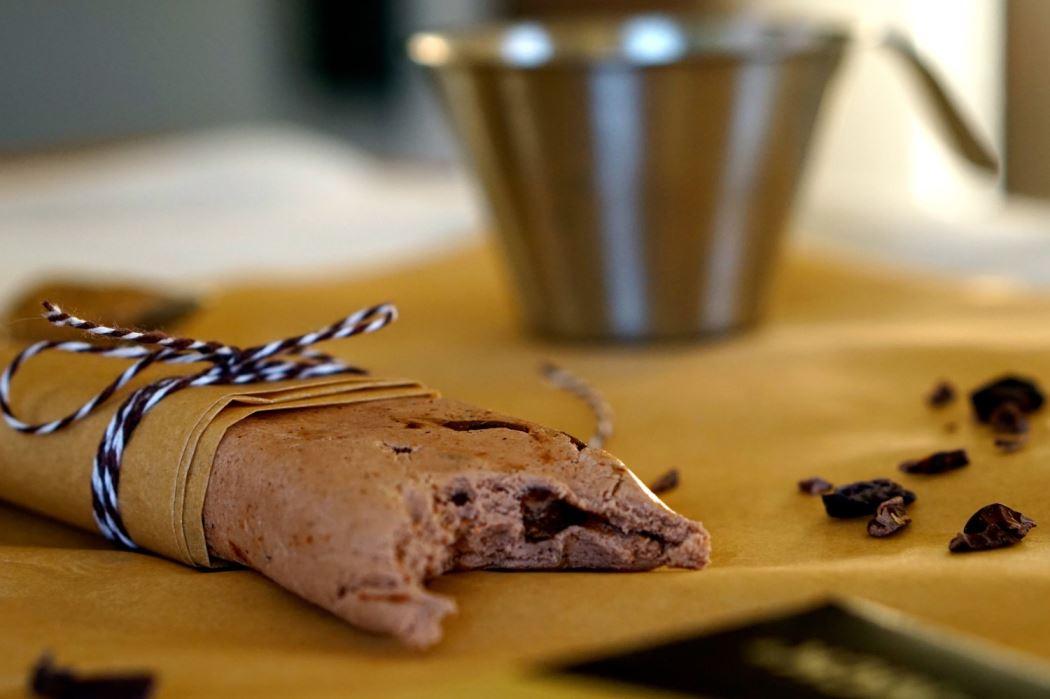 Questbar chocolate and hazelnut 7