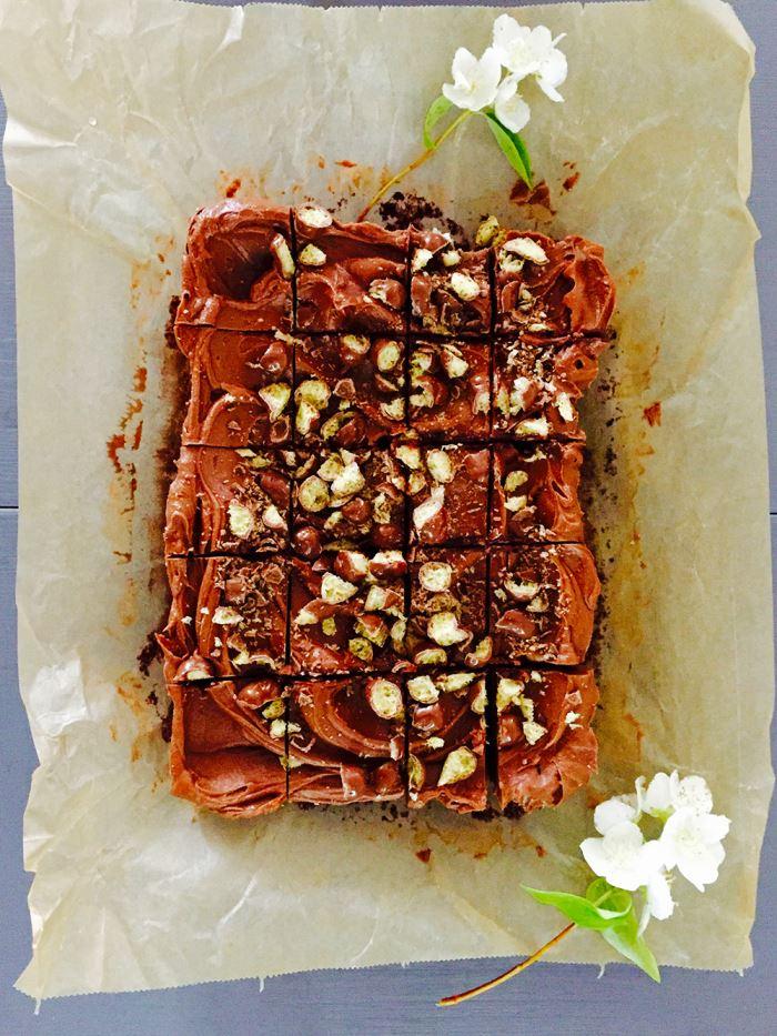Brownie med mjölkchokladfrosting