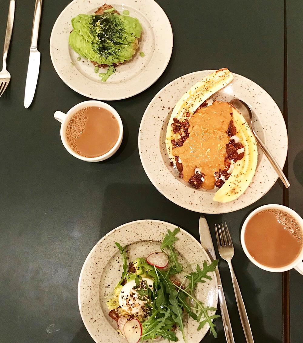 Frukost på Pom och Flora
