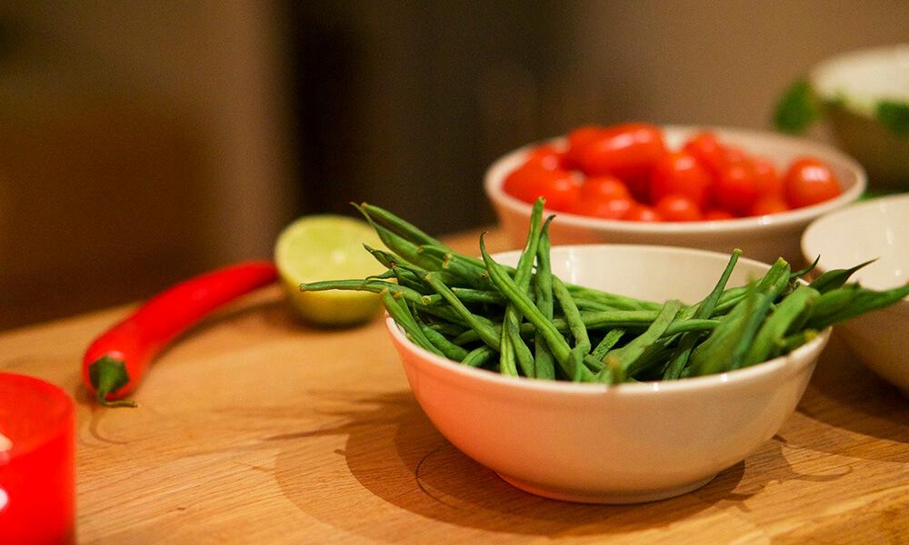 Maträtt med kyckling, chili och koriander
