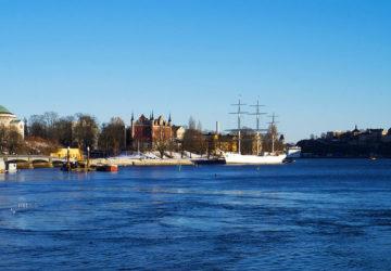 Stockholm i mars i eftermiddagssol
