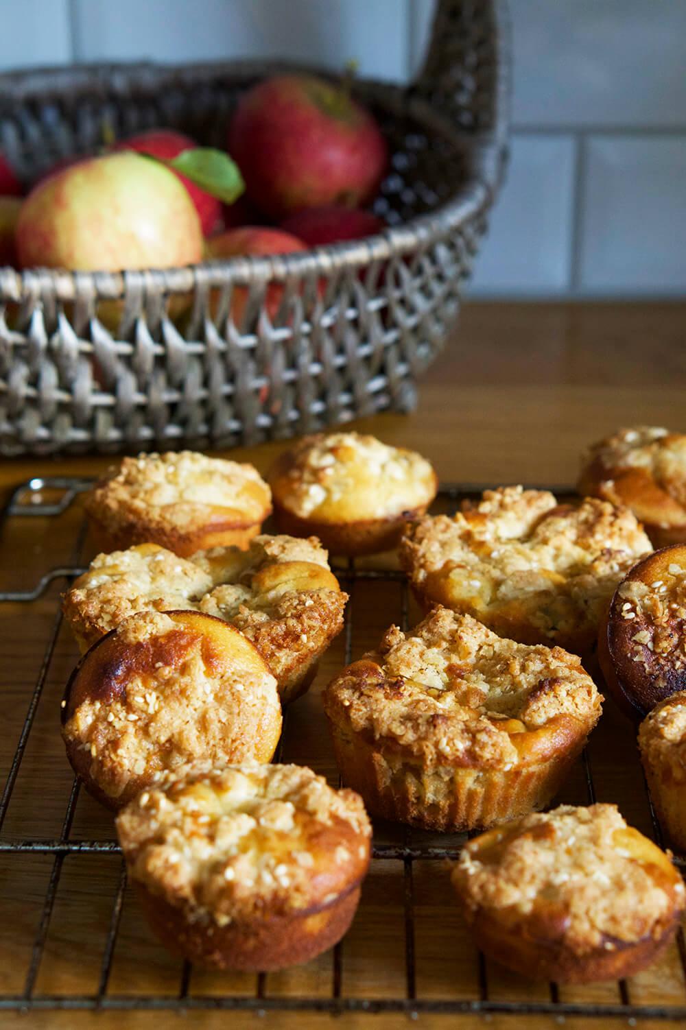 Äppelmuffins med crumble
