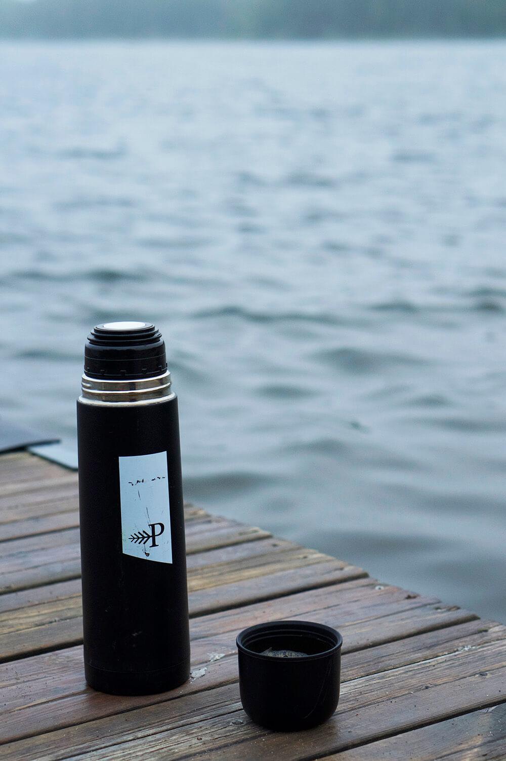 Morgonpromenad till sjön