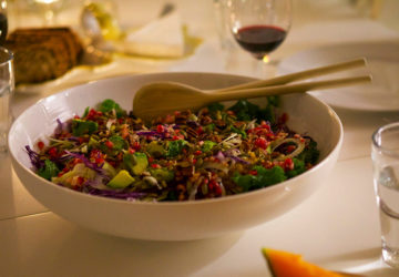Yoga Island - sallad med quinoa, grönkål och granatäpple
