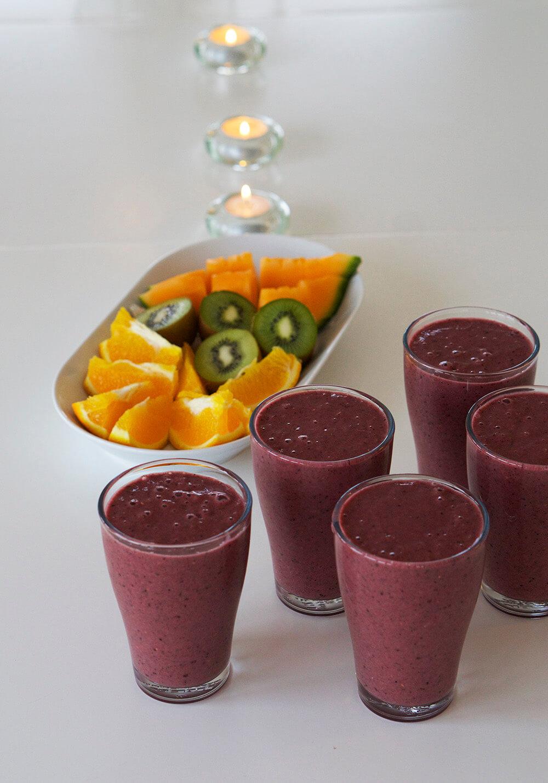 Yoga Island - smoothie och frukt