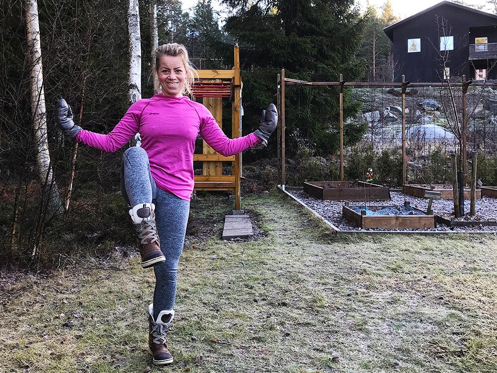 Träning i trädgården i underställ