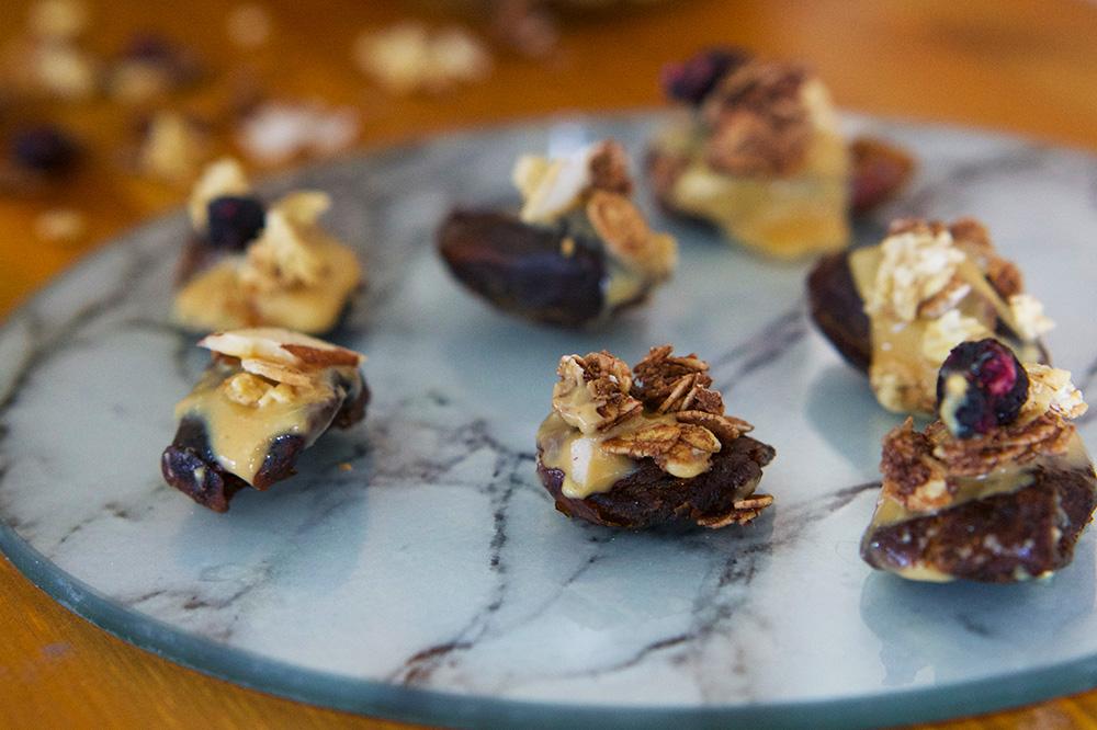 nyttigt jordnötssnacks med granola