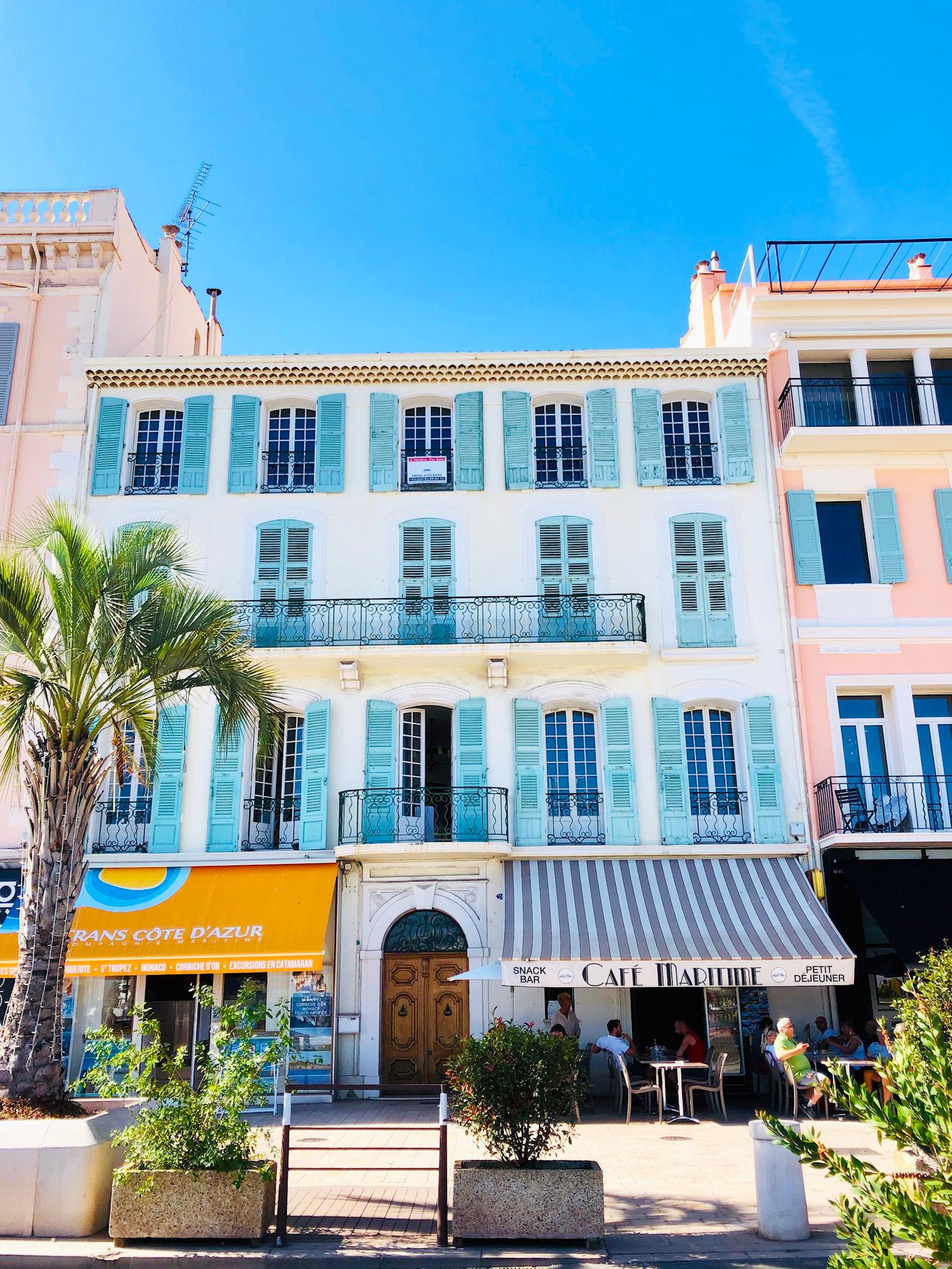 På kryssning Medelhavet med MSC Seaview - Cannes
