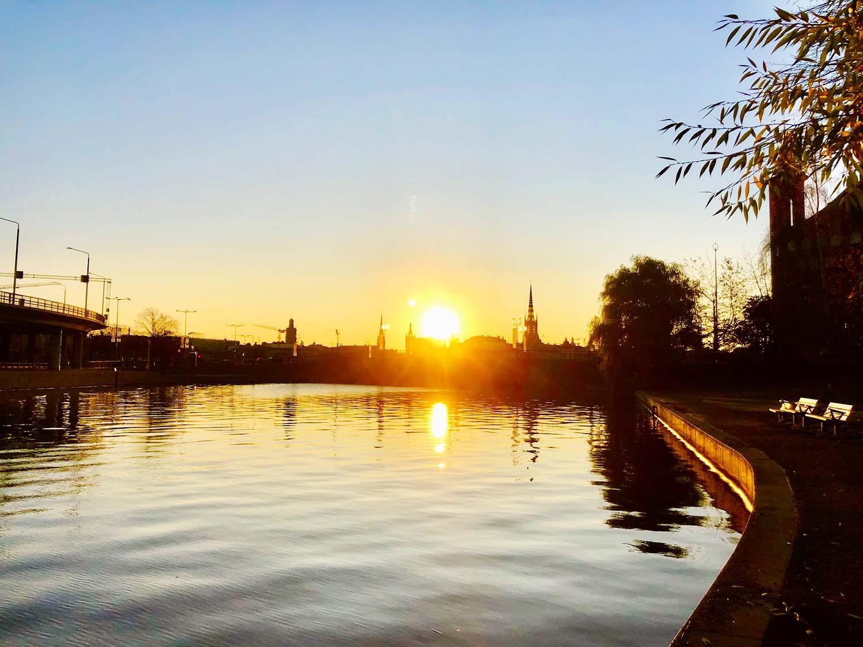 Morgonlöpning i Stockholm på hösten