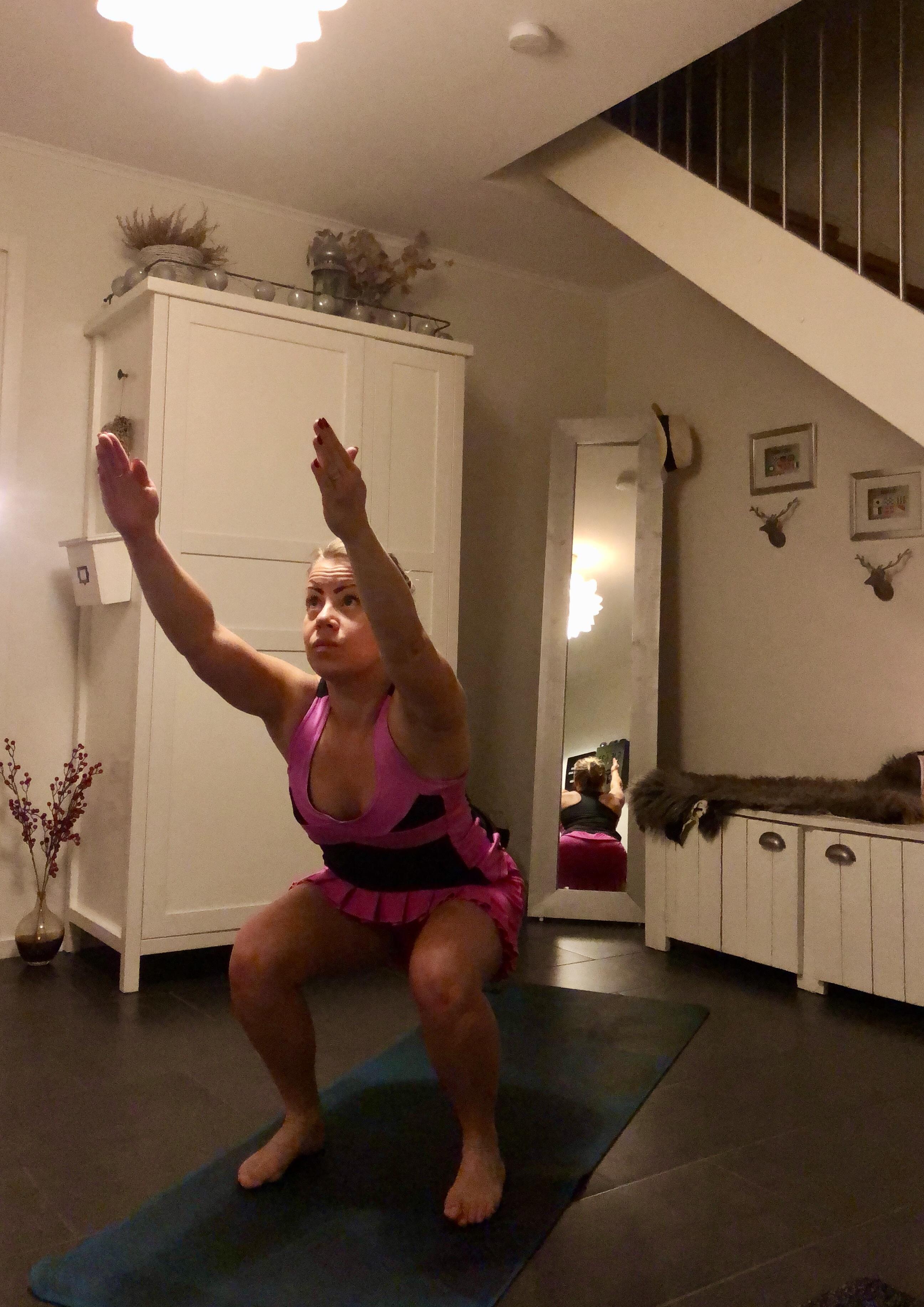 hemmaträning med yoga