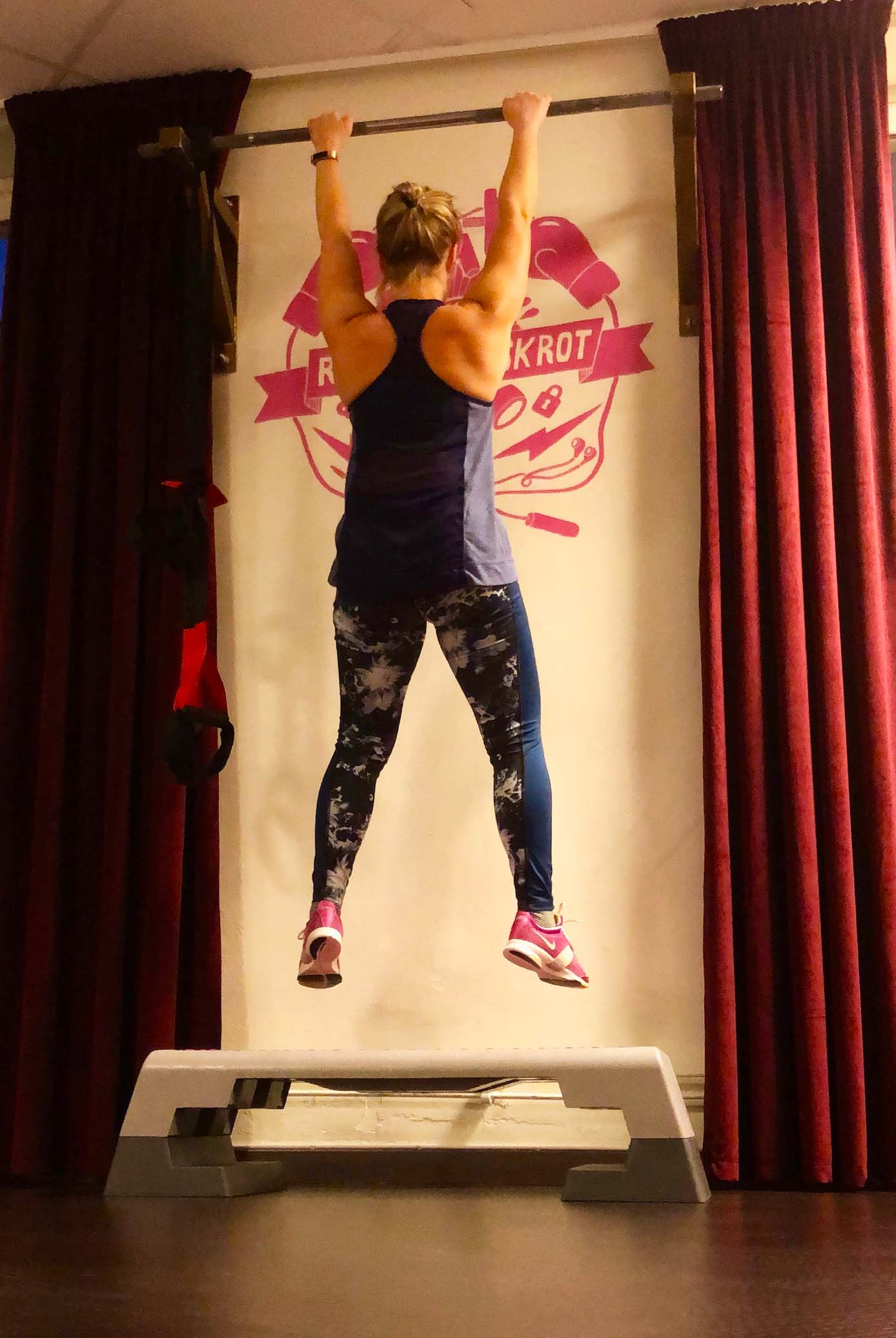Samma träningskläder - träning på gym