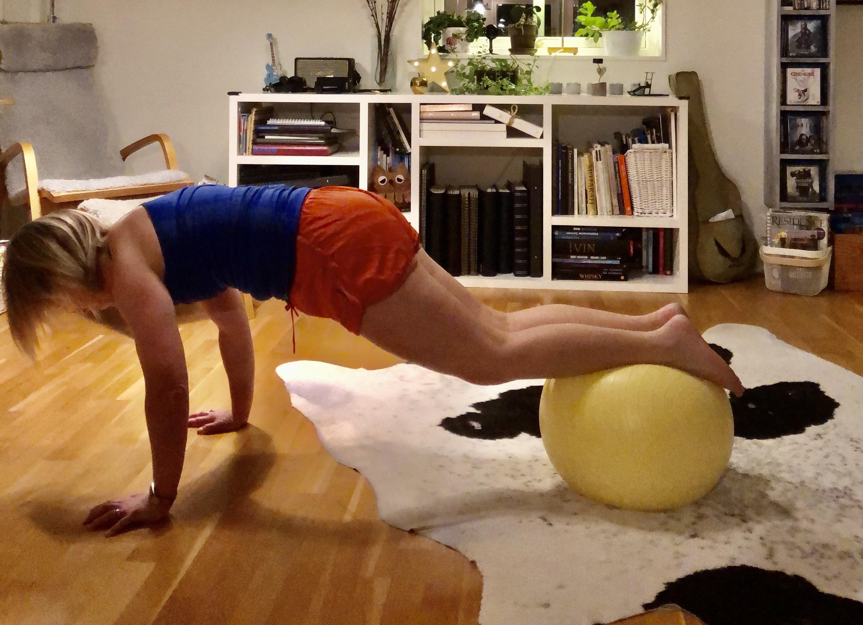 Träningsövningar med Fitnessboll