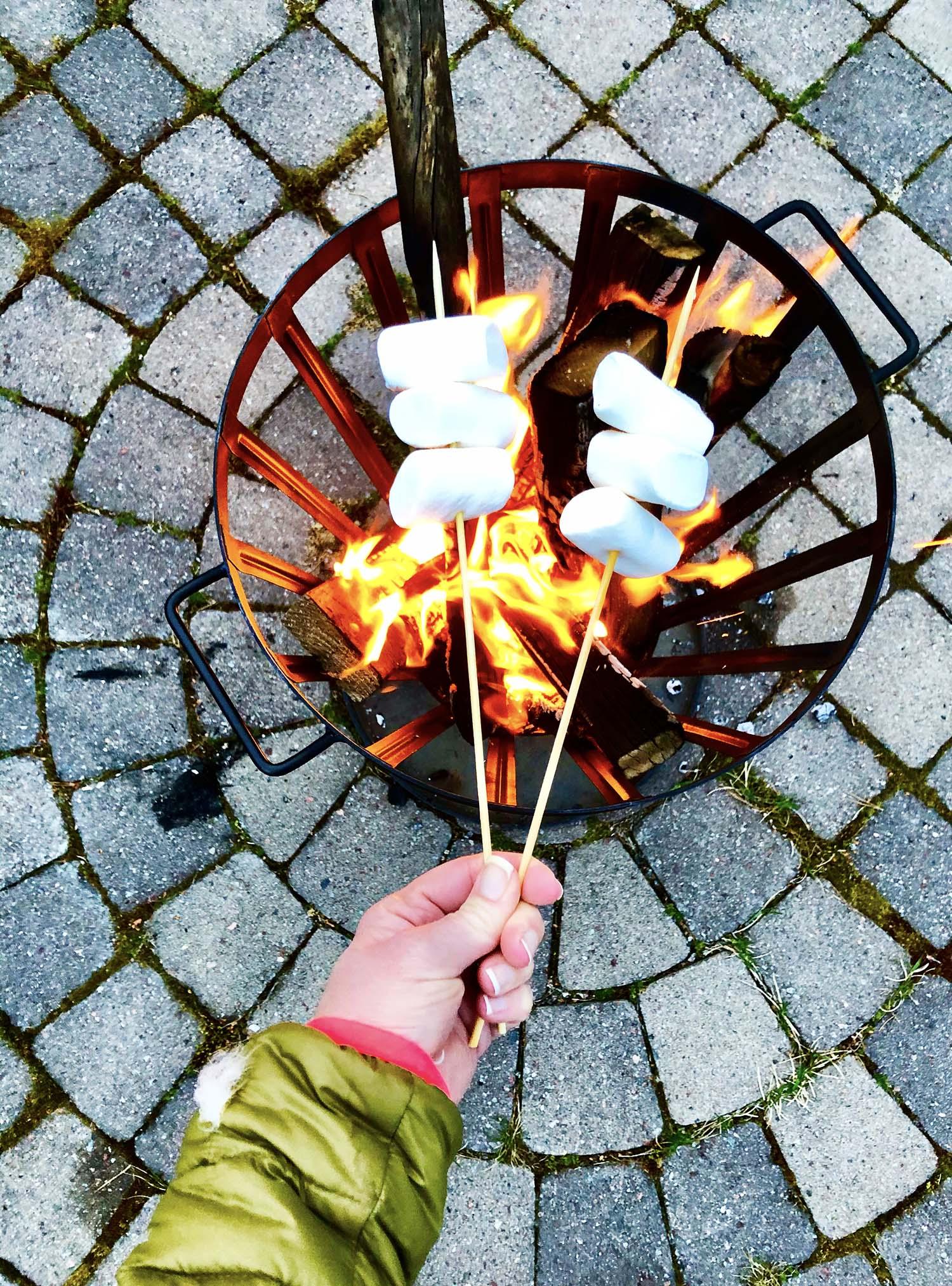 Eld i eldkorg på Valborgsmässoafton