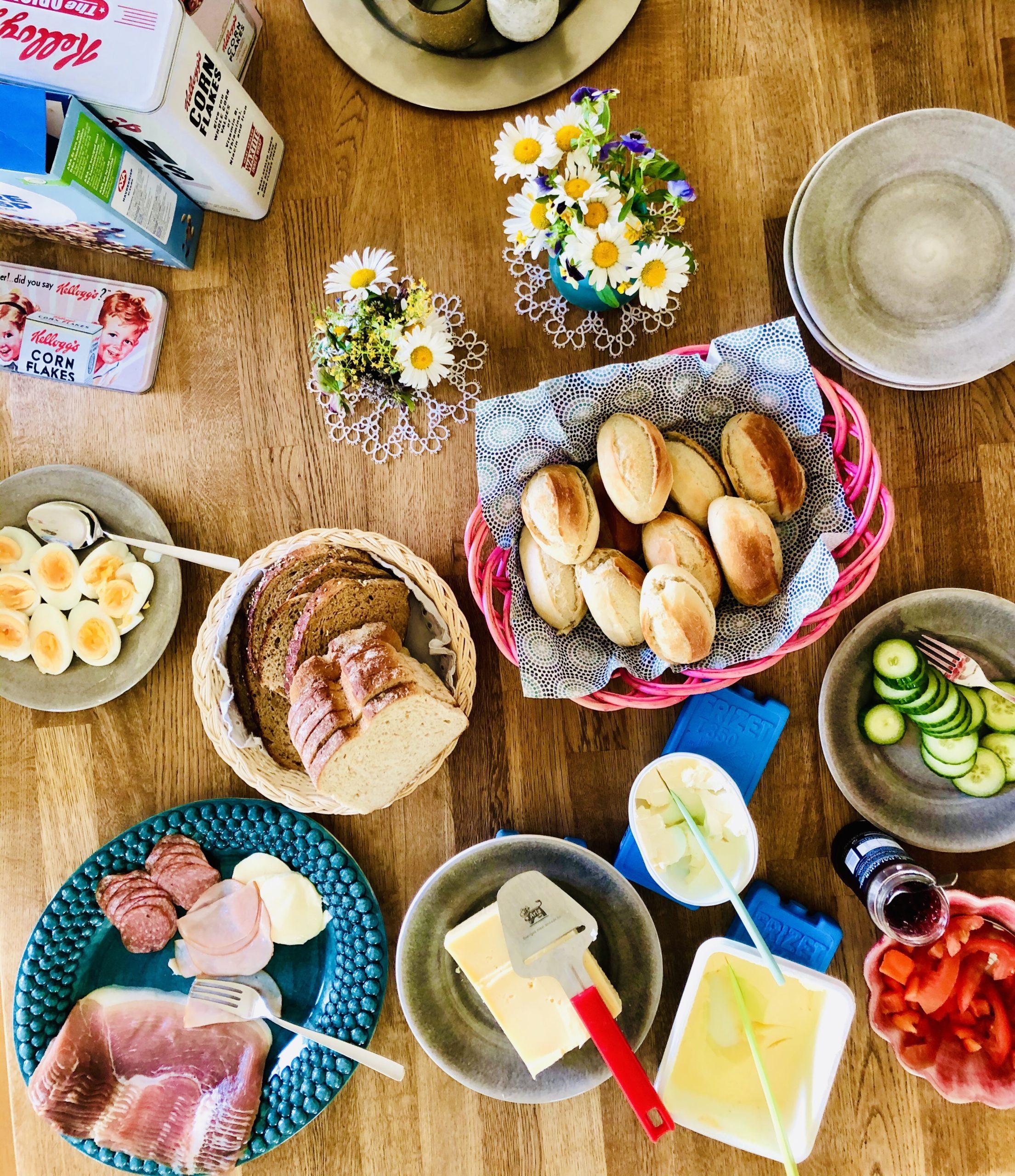 Frukost midsommardagen