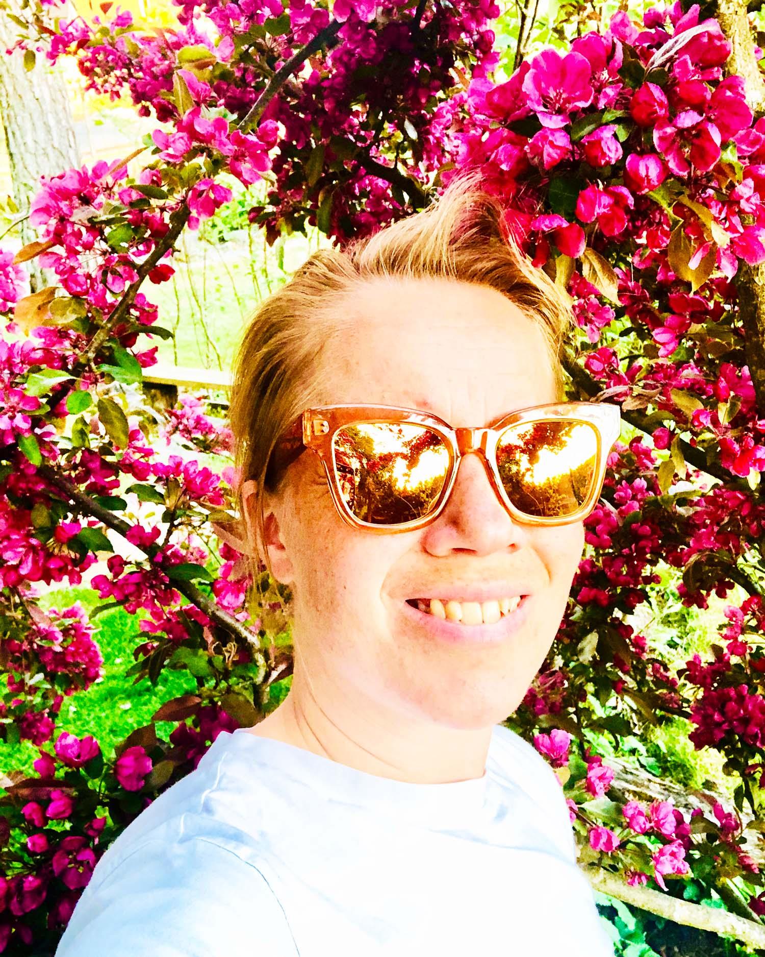 En morsdag att minnas - Karin Axelsson framför purpurapeln