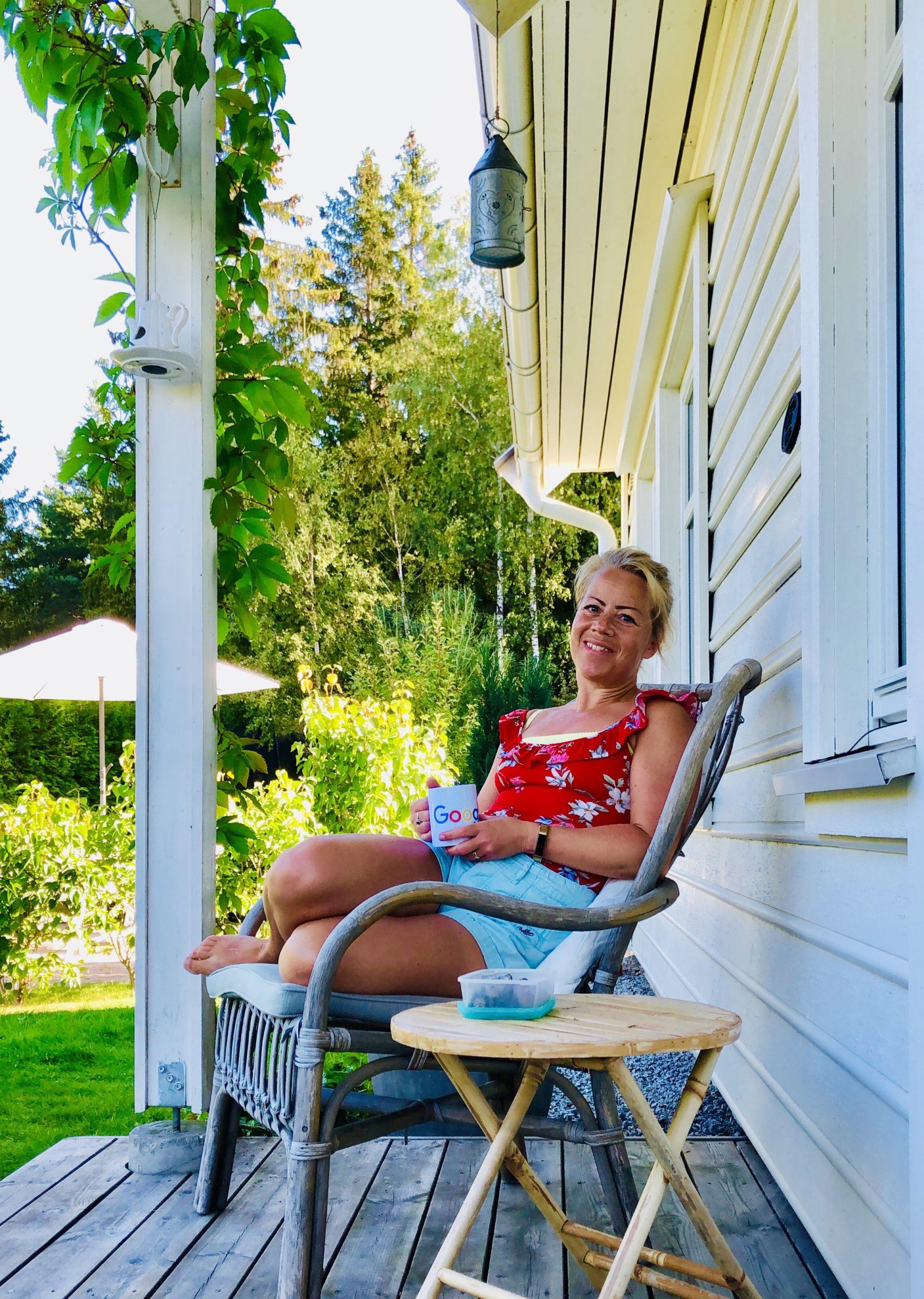 Morgonstund på verandan
