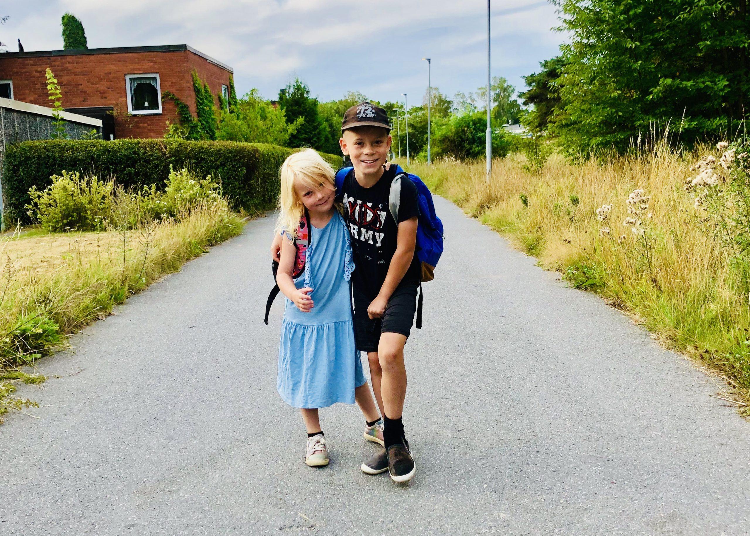 Barnen börjar skolan
