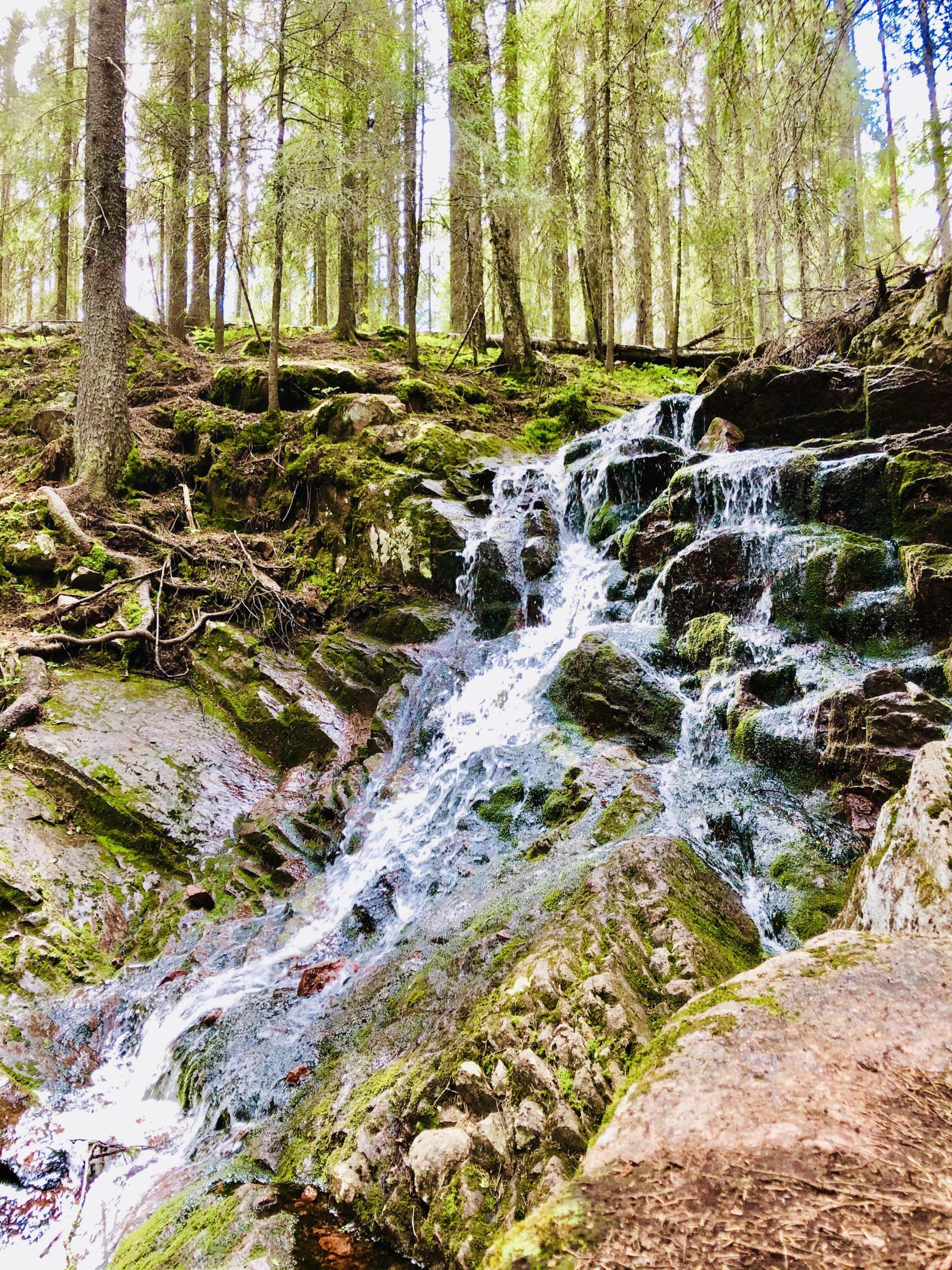Vattenfall vid vandringen till Slåttdalsskrevan
