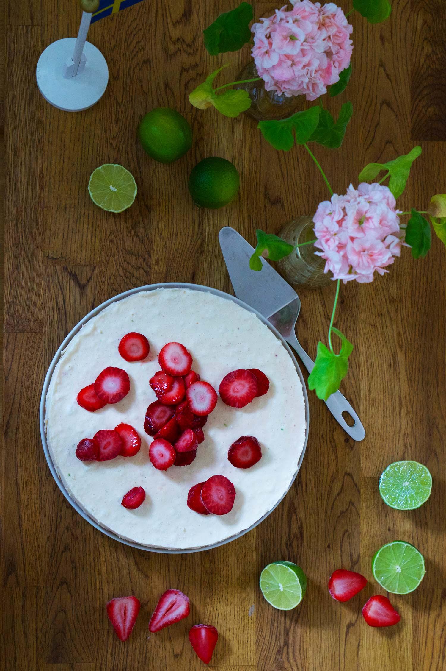 cheesecake jordgubb och lime recept