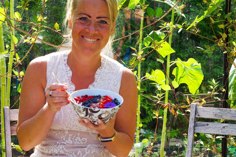 Breakfast Bowl svenska bär - recept