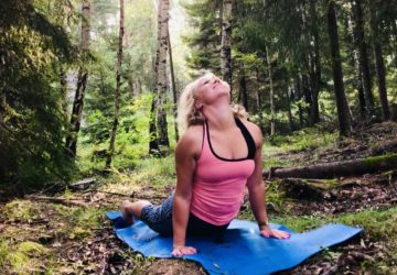 Yoga i skogen - Karin Axelsson